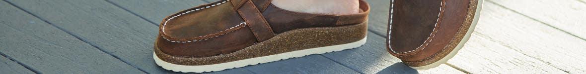 White Mountain Shoes Clogs